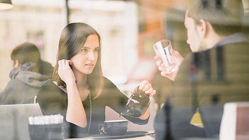 7 روش داشتن یک مکالمه خوب با افراد منفی