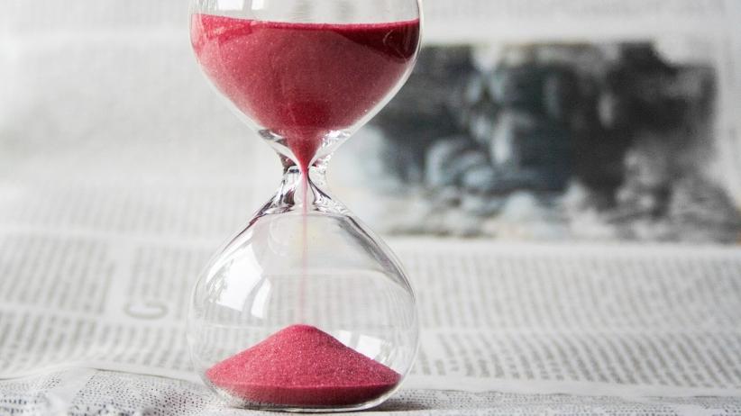 این 5 عادت وقت تلف کردن را کنار بگذارید تا به یک هیولای بازدهی تبدیل شوید