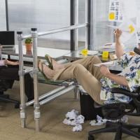 نکته مدیریتی روز: با همکاری که روی اعصاب شما راه میرود چه کار باید کرد؟